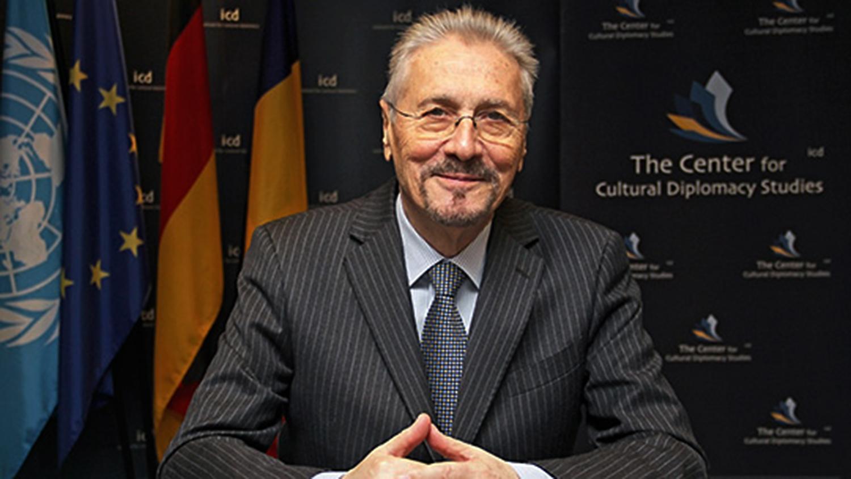 A Emil Constantinescu