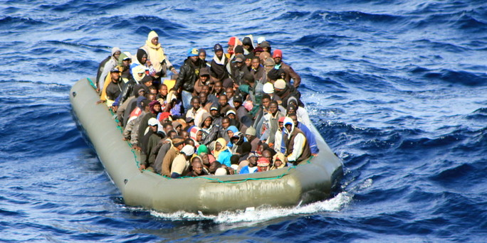 Italian navy rescues 1,000 migrants from Mediterranean